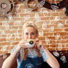 Allison du Columbus Café de Metz Saint-Jacques et son Chaï Latte Amande