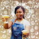 Kadi du Columbus Café de La Défense et son Café Latte glacé Coco