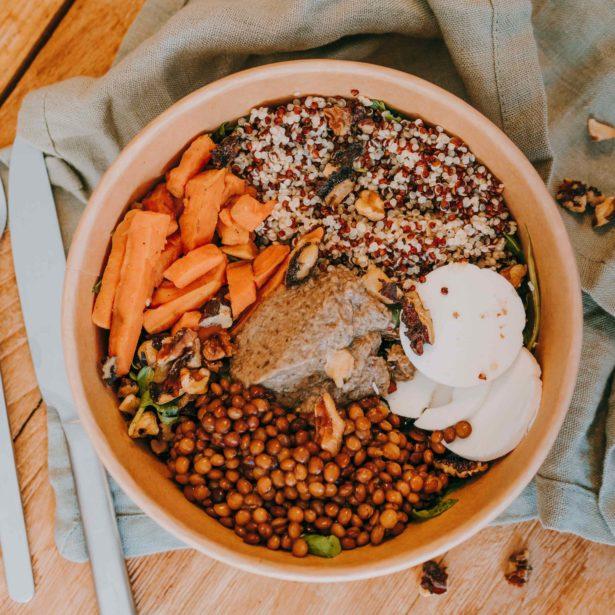 BUDDHA BOWL Chèvre, Quinoa, Lentilles, Patate douce, Noix (Végétarien)